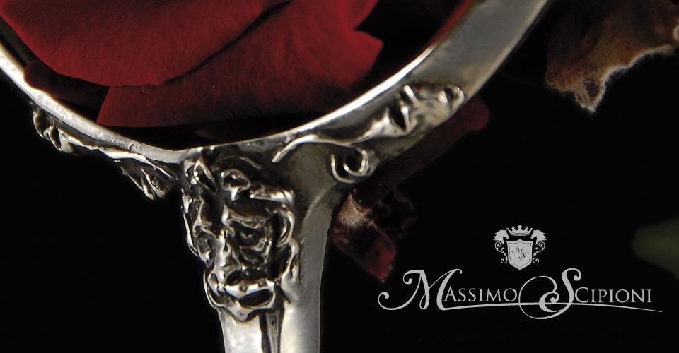 Sperone in argento con decorazione leonina